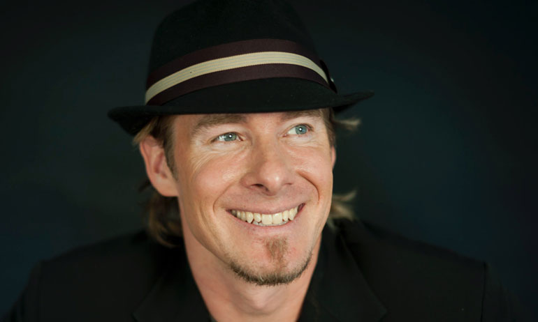 Erik Wahl - Motivation Strategies Innovation Entertainment and Humour  speaker