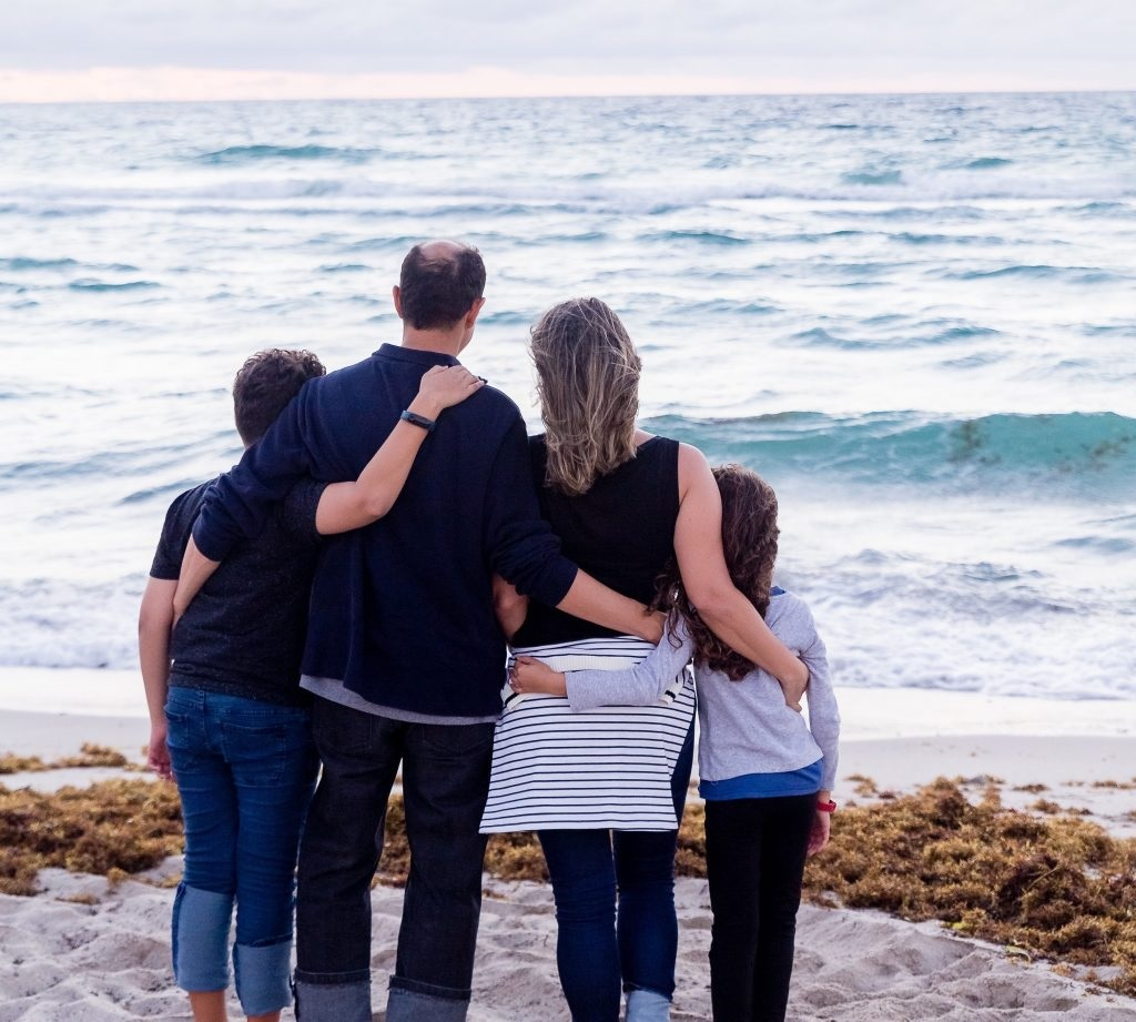 chip family - 5 Ways to Strengthen Family Ties Right Now