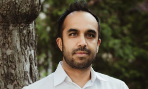 neil pasricha headshot3 300x180 - Top 10 Speakers That Are Trending